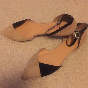 Color block pointed flats!